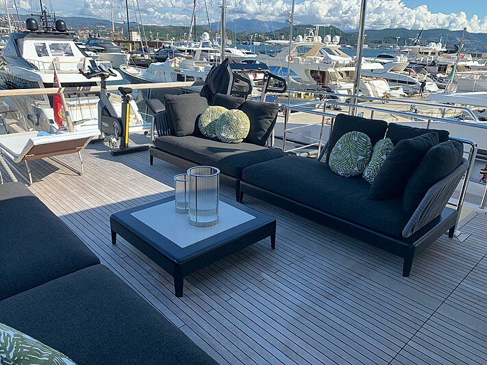 Rebessa yacht deck