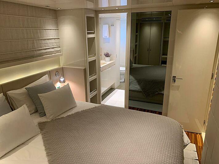 Rebessa yacht stateroom