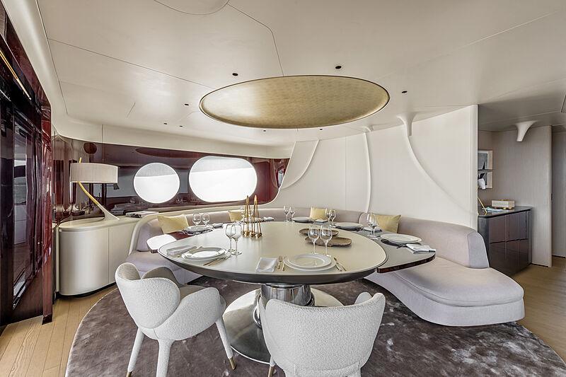 Azimut Grande Trideck yacht Shabby upper deck lounge