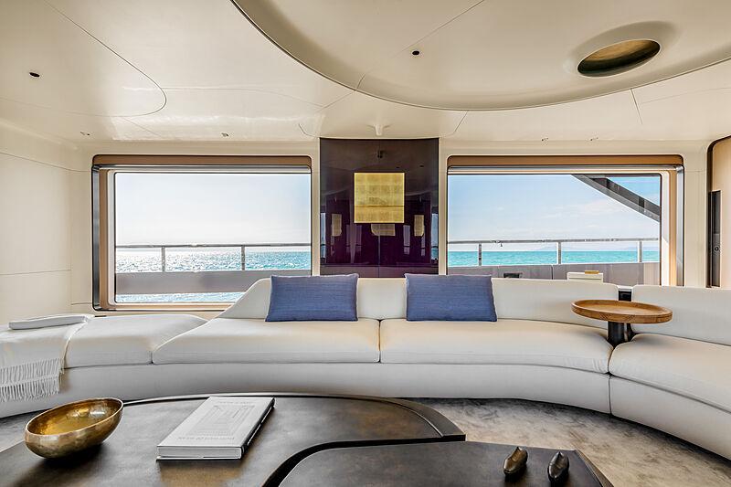 Azimut Grande Trideck yacht Shabby main saloon