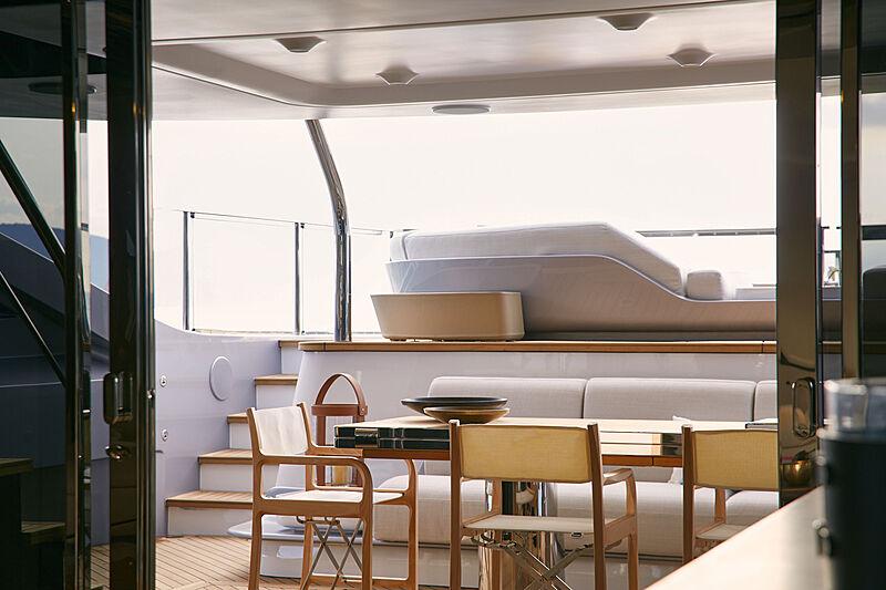 Azimut Grande Trideck yacht Shabby private patio