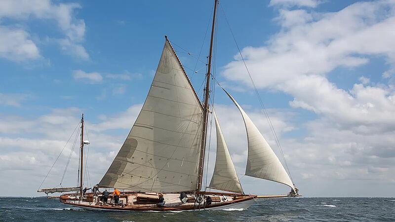 Sky yacht sailing