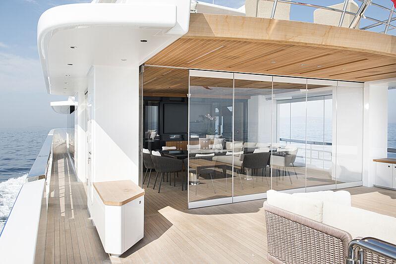 Alfresco 125 yacht deck