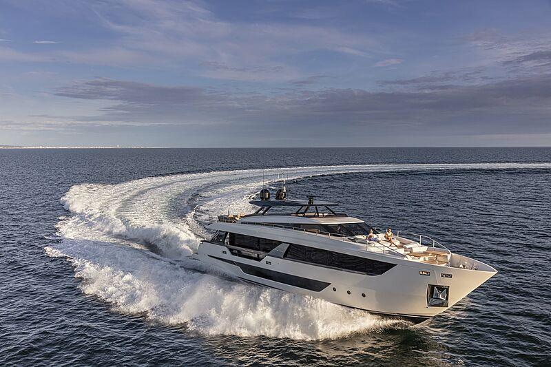 Ferretti 1000 yacht Epic