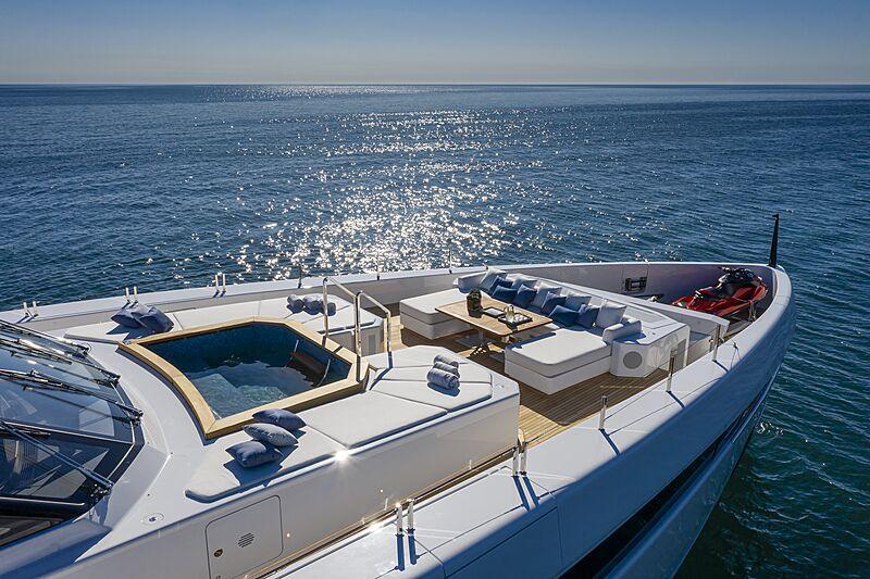 K2 yacht sun deck