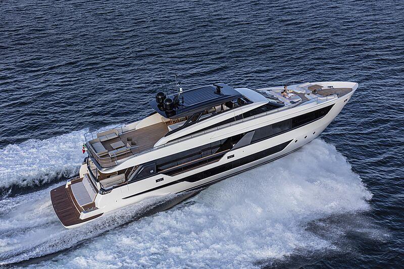 Ferretti 1000 yacht cruising
