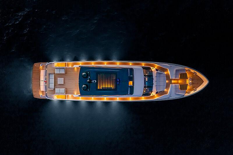 Ferretti 1000 yacht anchored