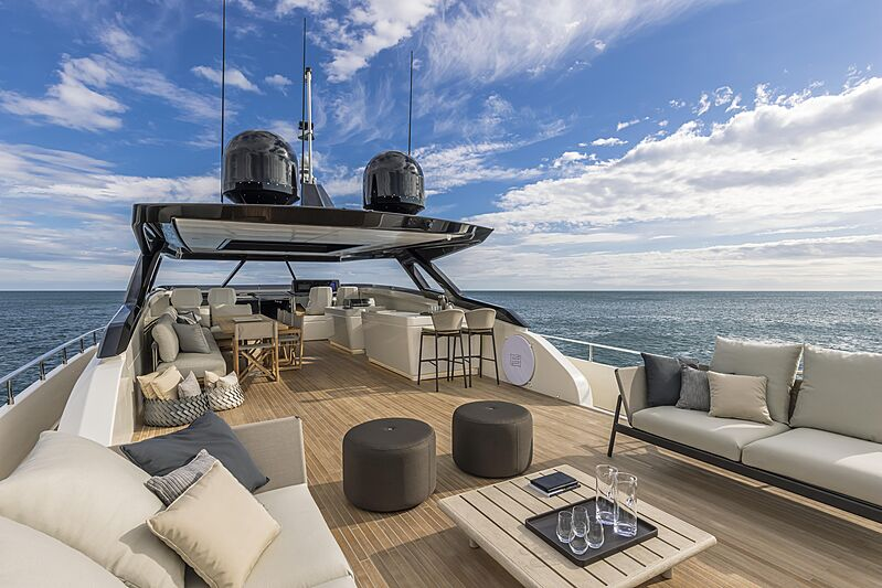 Upper deck of the yacht Ferretti 1000