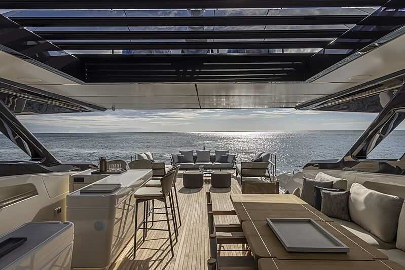 Ferretti 1000 yacht upper deck