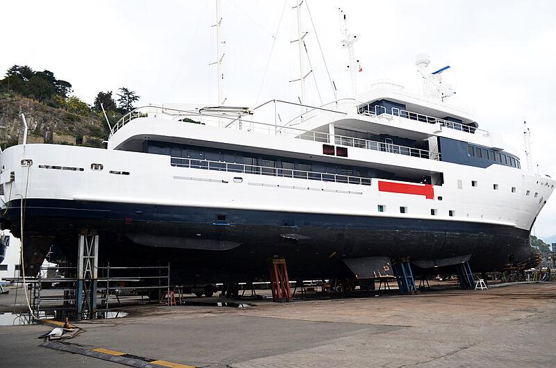 Tribù yacht refit