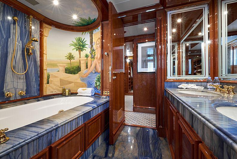 Sokar yacht bathroom