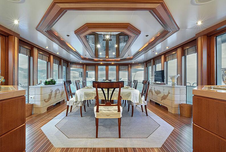 Sokar yacht dining