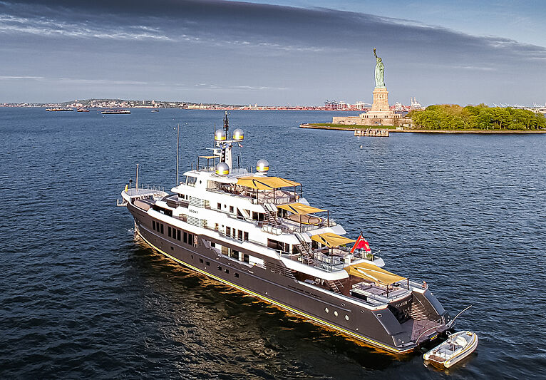 Scout yacht by Royal Hakvoort in New Jersey