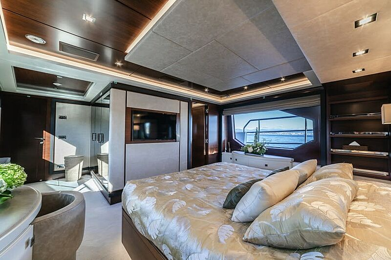 Adel yacht stateroom