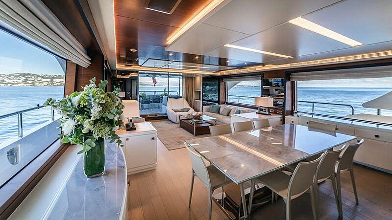 sAdel yacht saloon