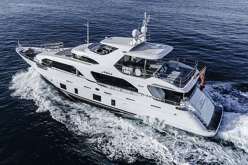 Adel yacht cruising