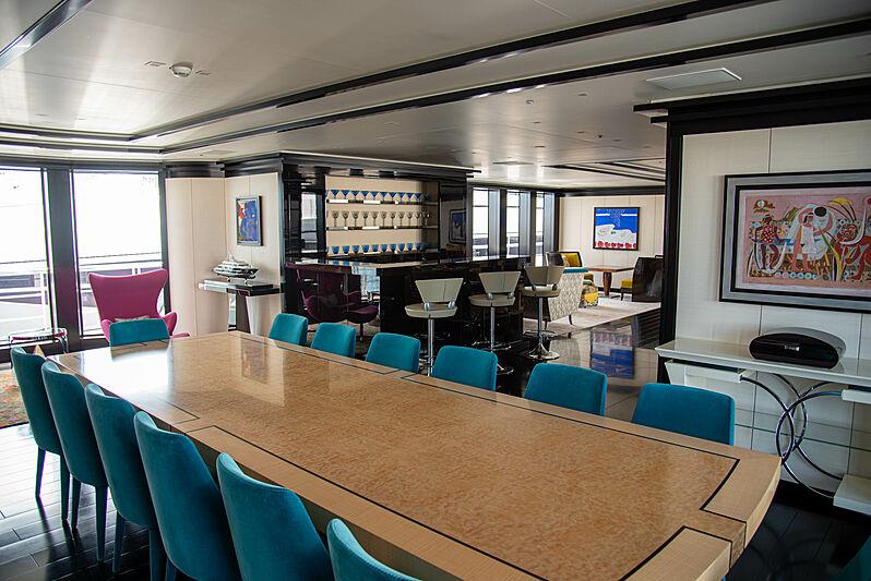 Sapphire yacht dining