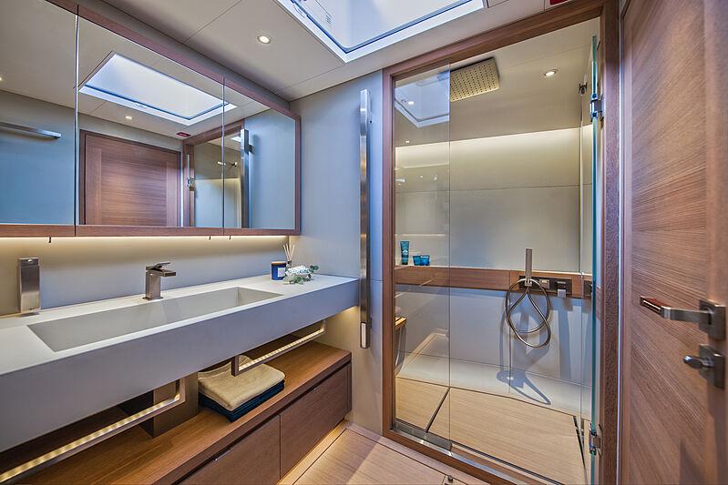 Taniwha yacht bathroom