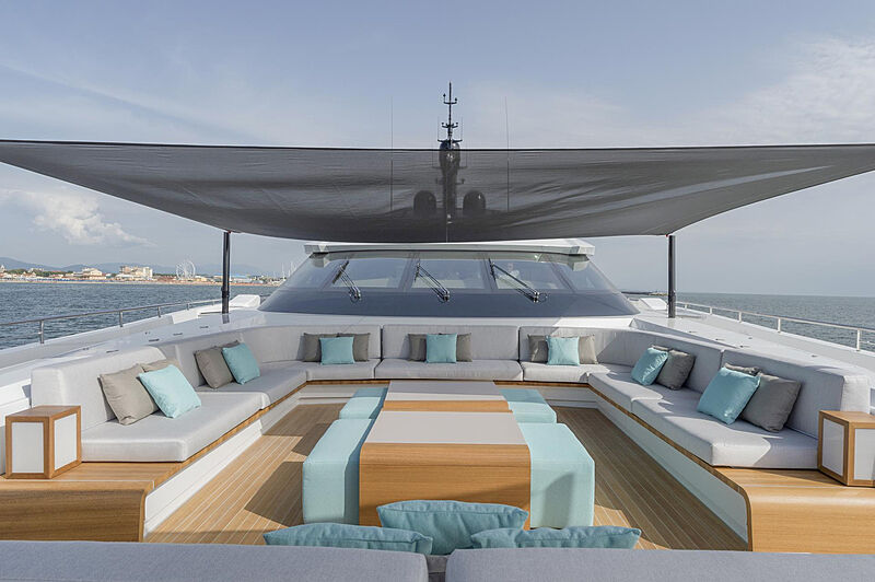 Utopia IV yacht foredeck