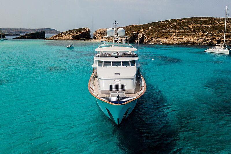 Criss C yacht bow