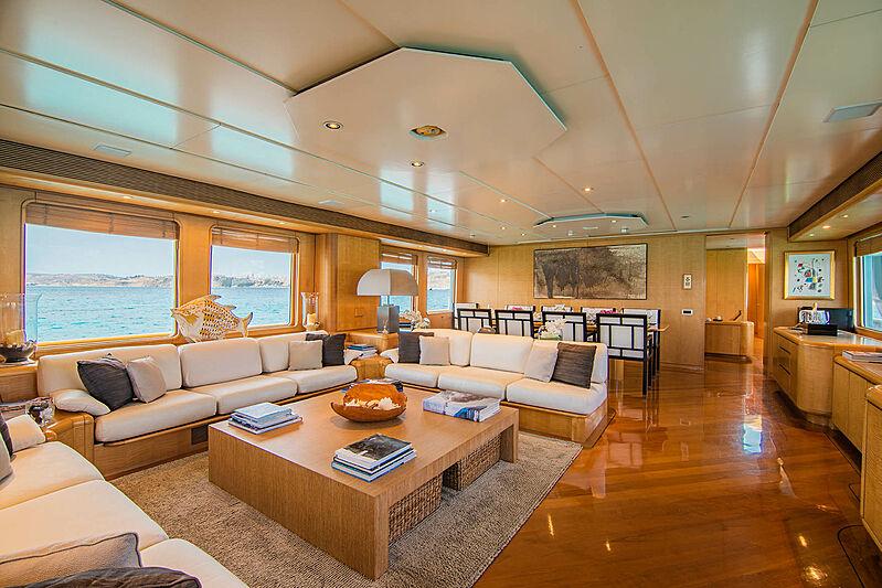 Criss C yacht saloon