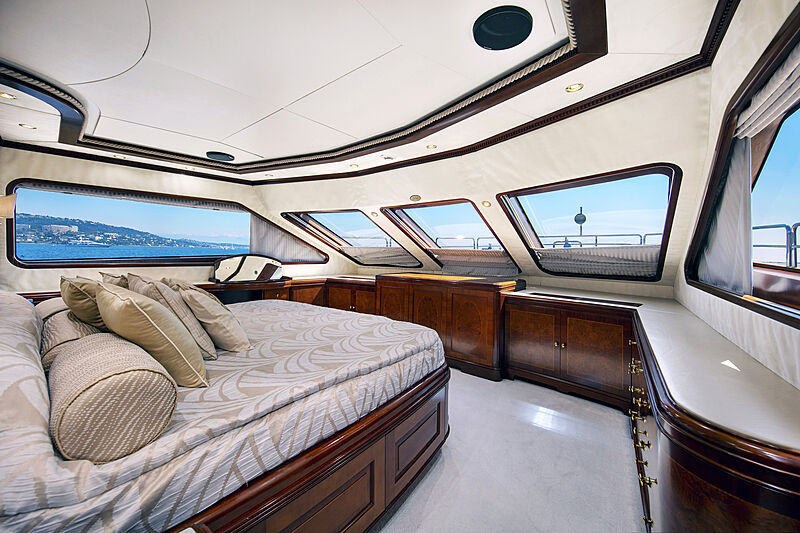 New Star yacht fore stateroom
