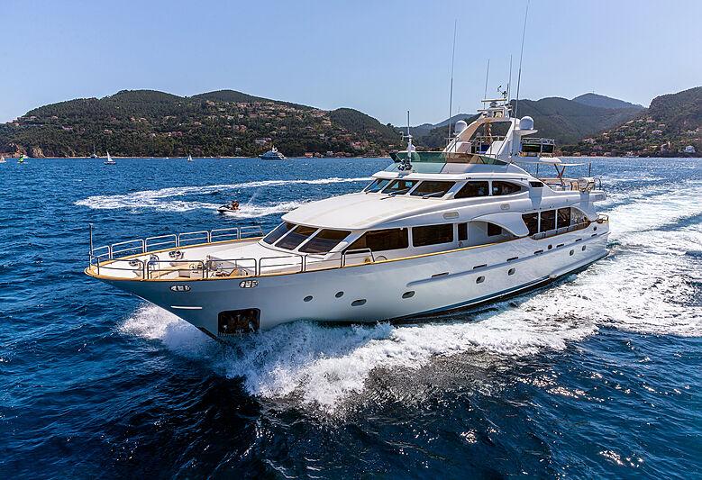 New Star Yacht running