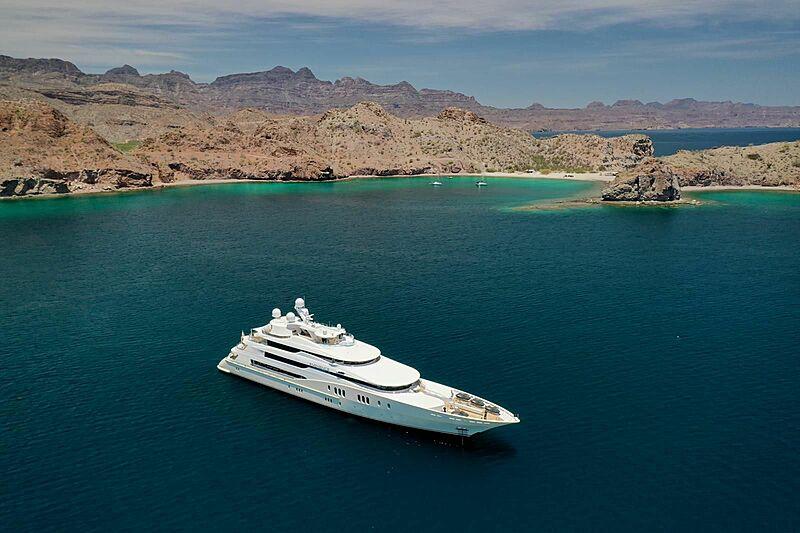 Eminence yacht in Baja California