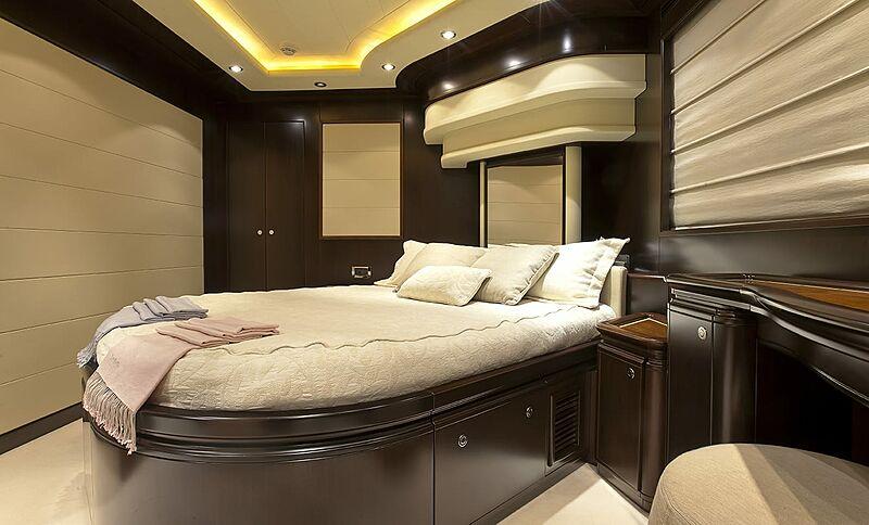 Lady Maria yacht stateroom