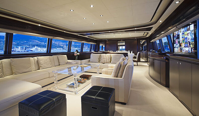 Lady Maria yacht saloon