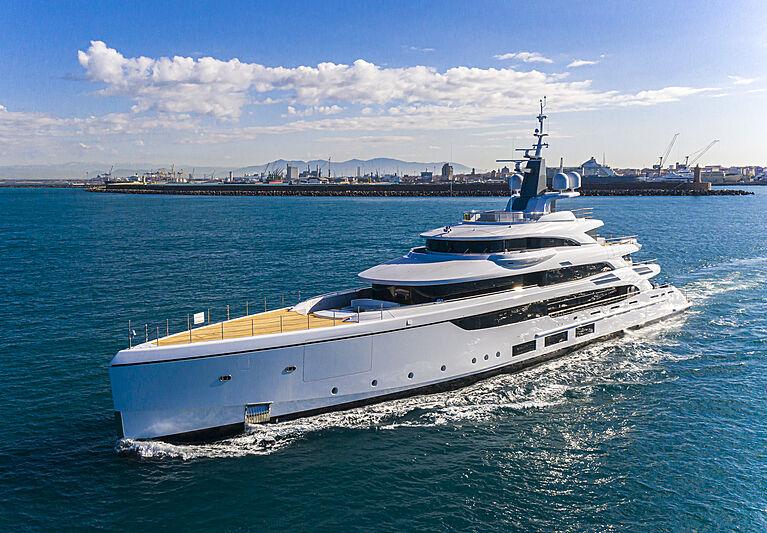 Triumph yacht cruising