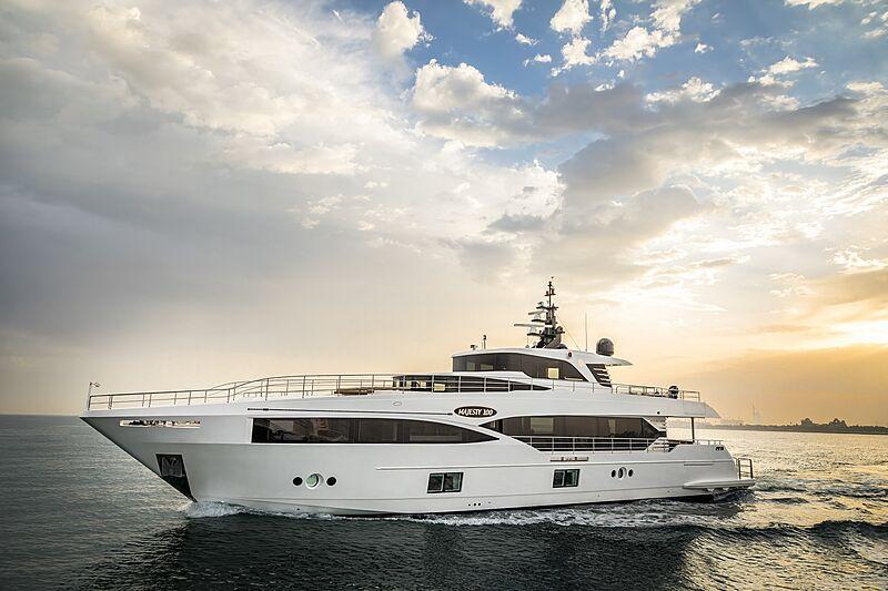 Croisière en yacht Majesty 100
