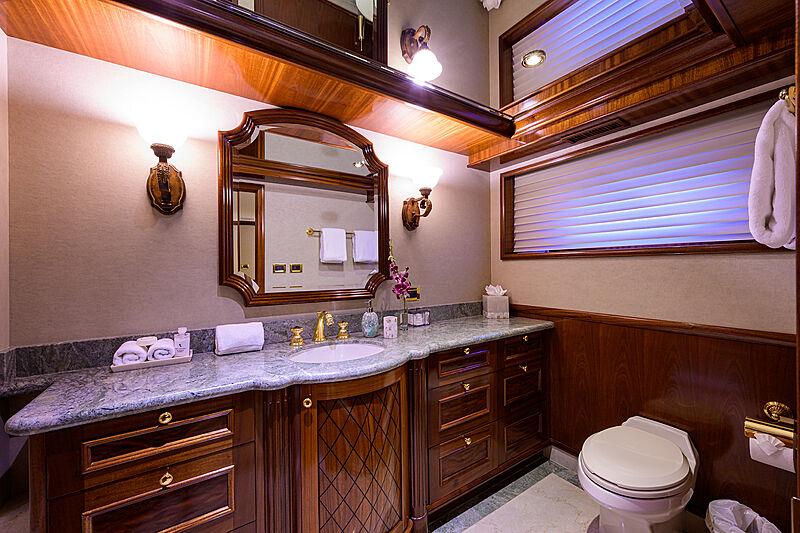 Excellence yacht bathroom