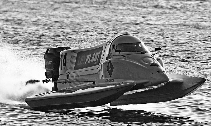 Tom Roberts yacht broker