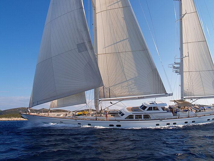 Juliet yacht cruising