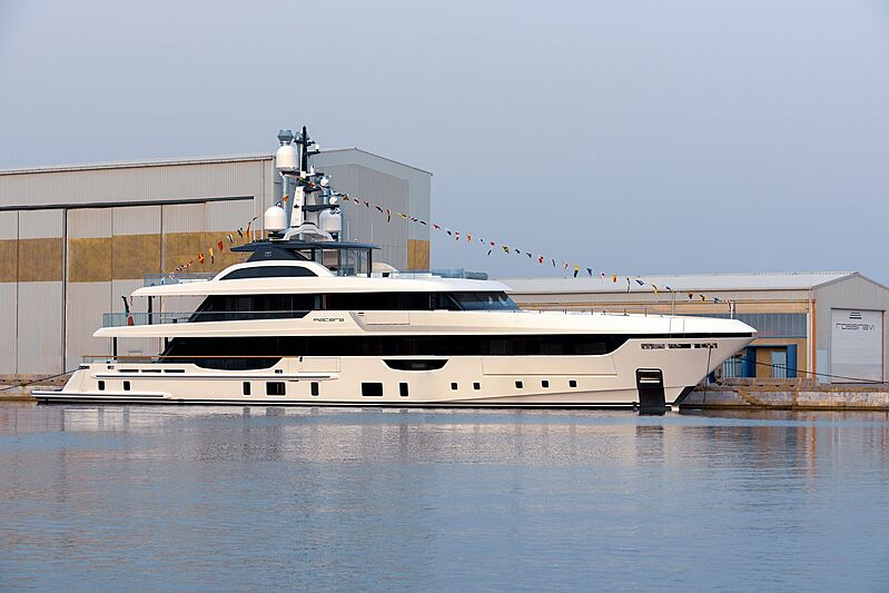 Piacere yacht launch