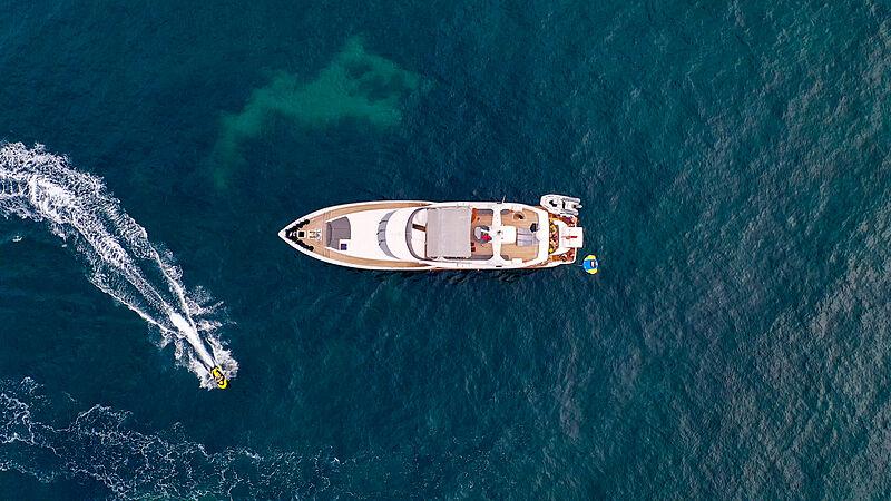 Mabruk III yacht aerial