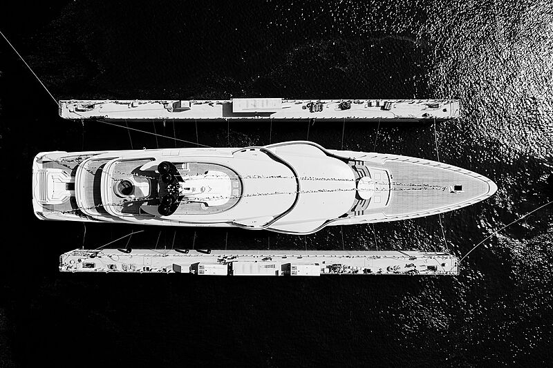 Roe yacht launch
