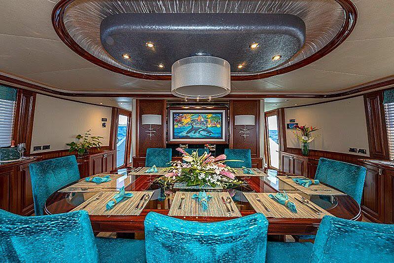 Tasia yacht dining
