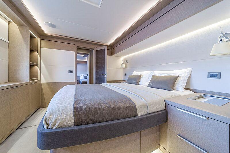 Olivia RB yacht stateroom