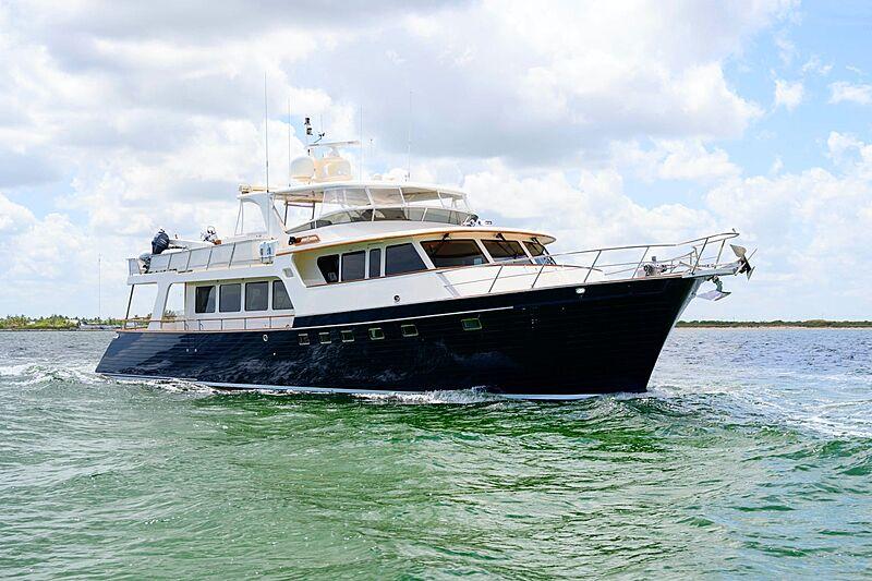 VK yacht cruising