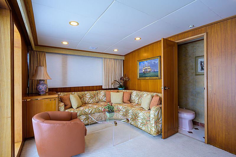 Aries yacht owners lounge