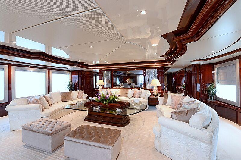 Shaf main yacht saloon
