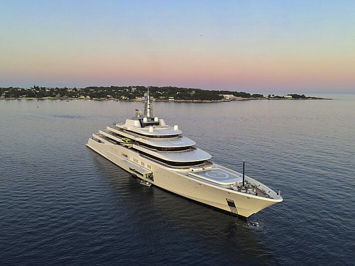 Eclipse yacht in Juan-les-Pins