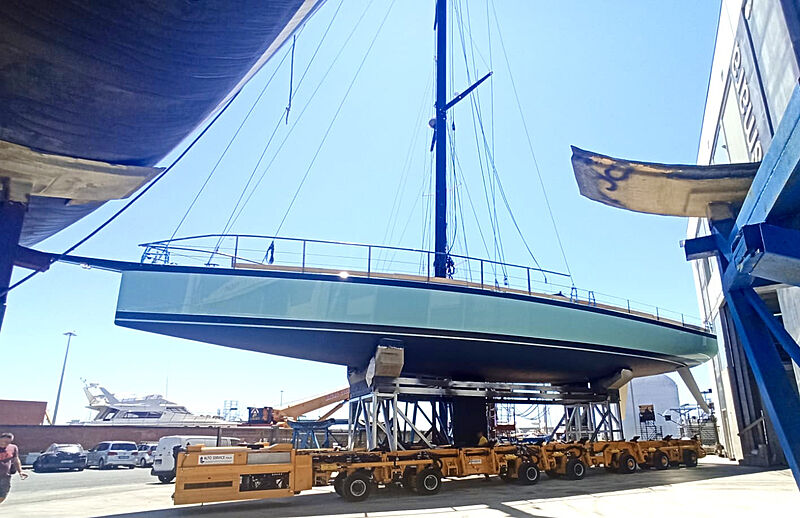 Momi yacht prepares for launch