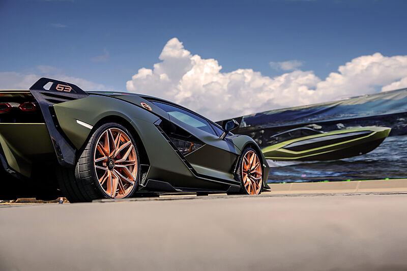 Tecnomar for Lamborghini 63 presentation event