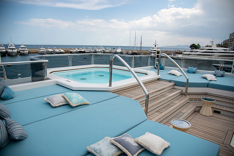 Sapphire yacht deck
