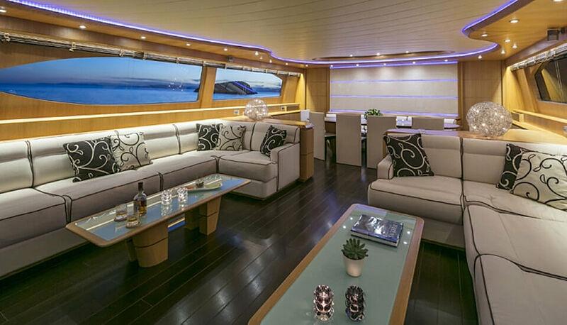 Paris A yacht saloon