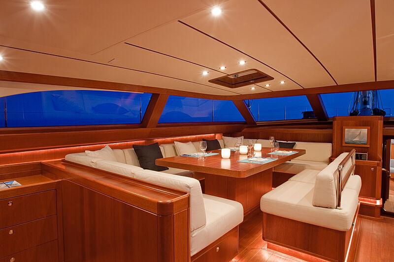 Nilaya yacht dining
