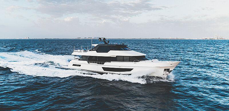 32 Meter Legend yacht cruising